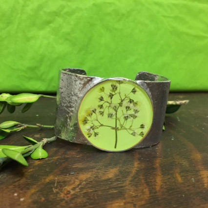 Jewelry made with plants